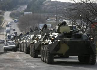 К Донецку подбирается военная техника