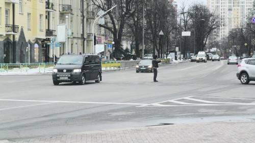 За авто Порошенко начала ездить реанимация как за Януковичем