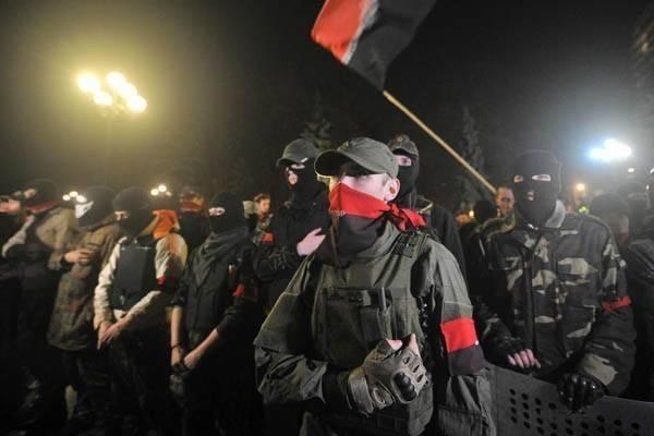 """Вне закона: """"Правый сектор"""" заявил о режиме """"внутренней оккупации"""" и подготовке к революции"""