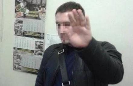 Полицейский-взяточник загонял своих жертв в долги