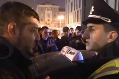 Разборки в центре Днепропетровска: 8 патрульных машин, полк Днепр-1 против 40 таксистов