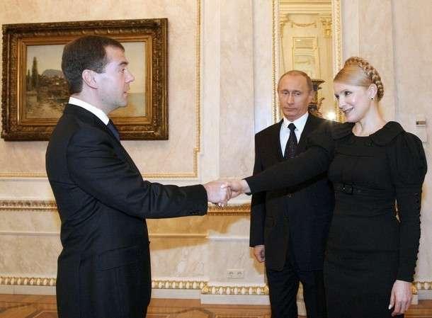 Тимошенко требует принятия 18 законов за вхождение в коалицию