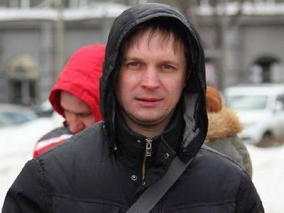 Полиция изъяла литературу со свастикой у поддержанного Ходорковским парнасовца