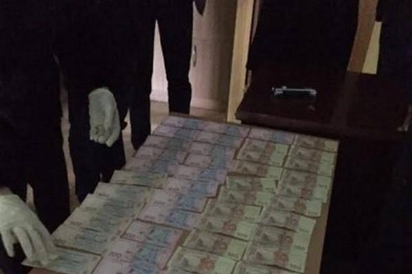 В Одессе взяли аваковца-фальшивомонетчика, а на Харьковщине – пограничника-взяточника
