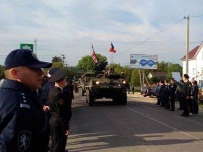 На центральную площадь Кишинева прибыла военная техника США