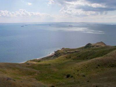 Глава аннексированного Крыма требует запретить любое строительство в 100 м от моря