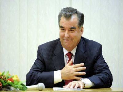 В Таджикистане признали состоявшимся референдум о бессрочном правлении президента