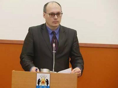 В Великом Новгороде заммэра, ответственного за образование, заподозрили в распространении детской порнографии