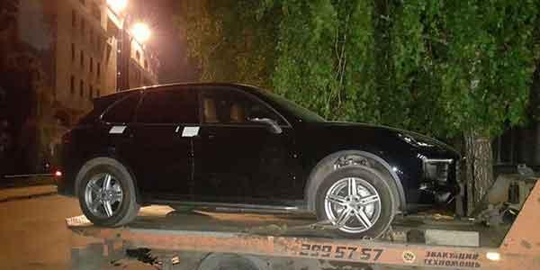 Сибирский чиновник брал взятки автомобилями Porsche