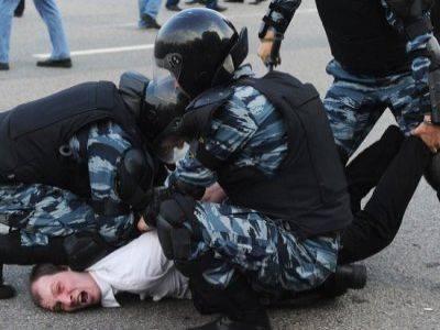 Каспийский суд потребовал предоставить сведения, неполучение которых обжаловал истец