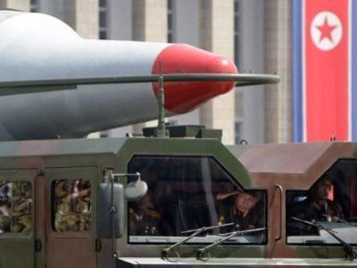КНДР за сутки запустила две баллистические ракеты