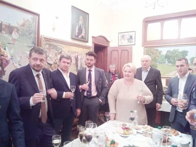 На День рождения к Ющенко пришли Мосийчук, Ляшко и Поплавский