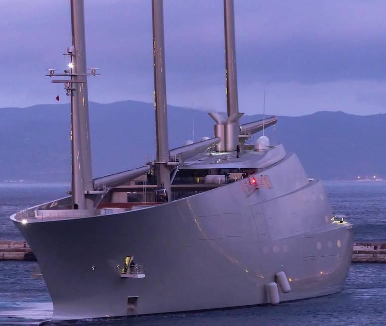 В Гибралтаре арестована новая супер-яхта миллиардера Андрея Мельниченко