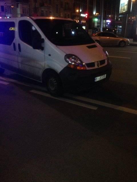 Голливудский экшн в Киеве: водитель выбросил из авто жену, переехал свидетеля и скрылся