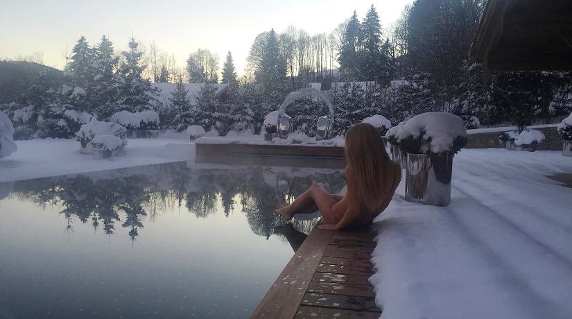 В России показали эротичные фото дочери Пескова