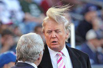 «Стабильно гениальный» Трамп избегает психиатров