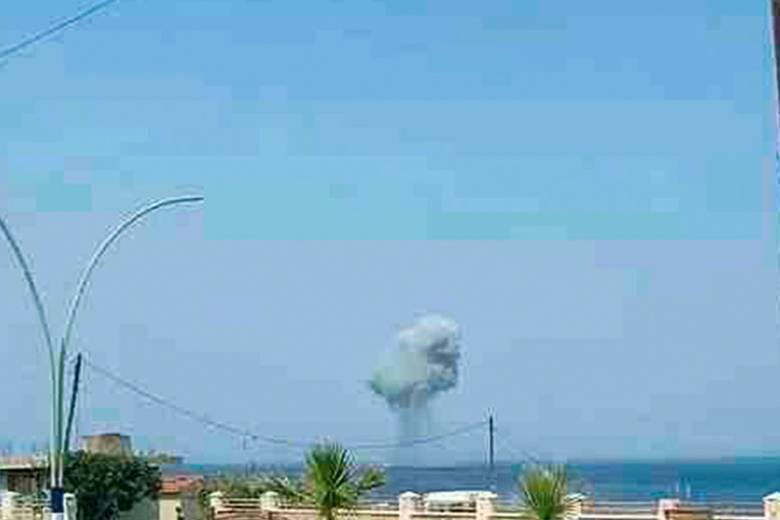 СМИ опубликовали фото предполагаемого крушения российского Су-30 в Сирии
