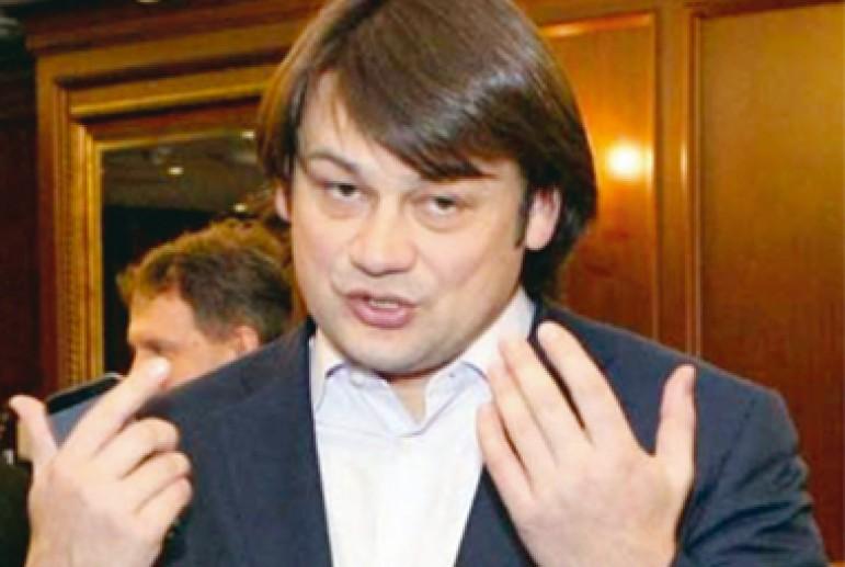 Евгений Гинер, Михаил Воеводин и Александр Бабаков окопались в отеле Лыбидь