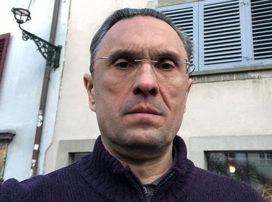 Экс-депутат Бессонов делает селфи с Лениным в Цюрихе и опасается «Новичка»
