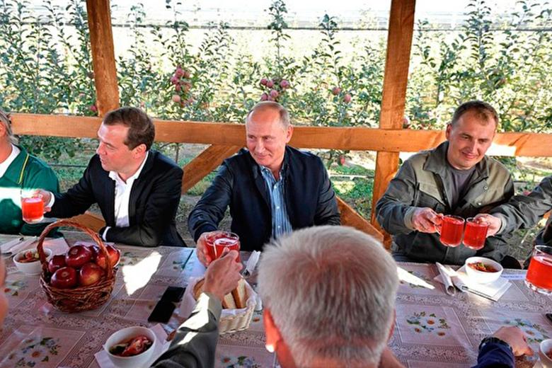 Путин заявил, что черпает силы из общения с простыми людьми