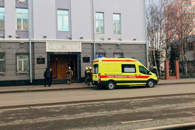 Взрыв у здания ФСБ в Архангельске. Один погибший