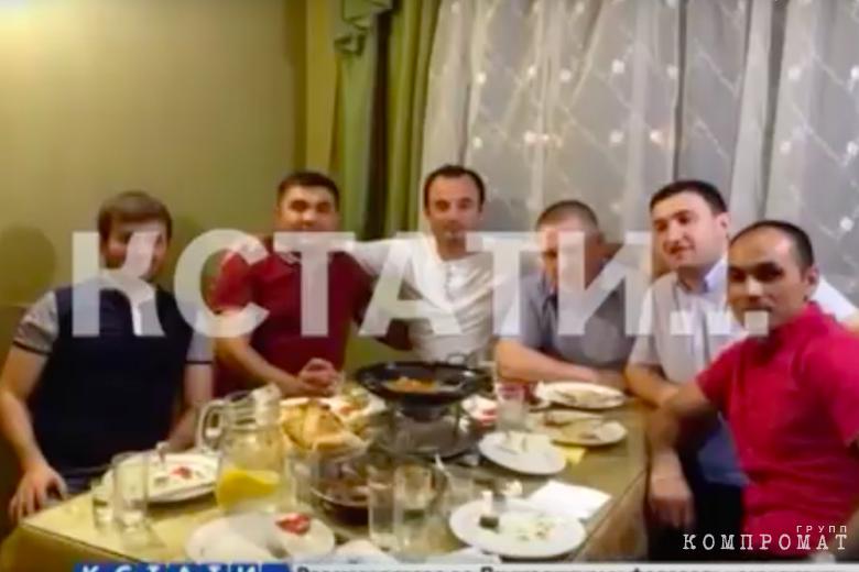 В Нижегородской области помощник прокурора уволен после фото с «авторитетами»