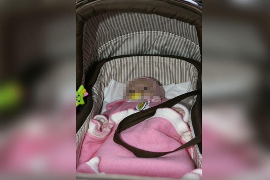 Мать загуляла: в РФ девочка умерла в запертой квартире от обезвоживания