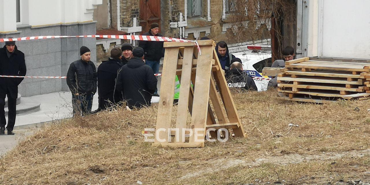 В Киеве у церкви нашли убитым сотрудника администрации президента