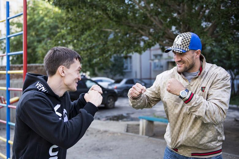 Организатор боя между Дациком и Тарасовым упал на рельсы в метро