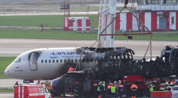 «Прижимали» самолет к земле: названа настоящая причина катастрофы в «Шереметьево»