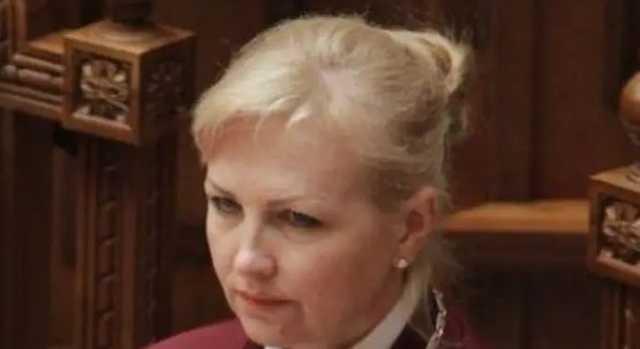 Помощь Януковичу и часы за $7 тысяч: в какие скандалы попадала глава КСУ Наталья Шаптала