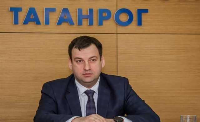 Силовики пришли с обысками в администрацию Таганрога