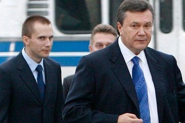«Будет царем!» Стало известно о тайном приезде сына Януковича на Донбасс