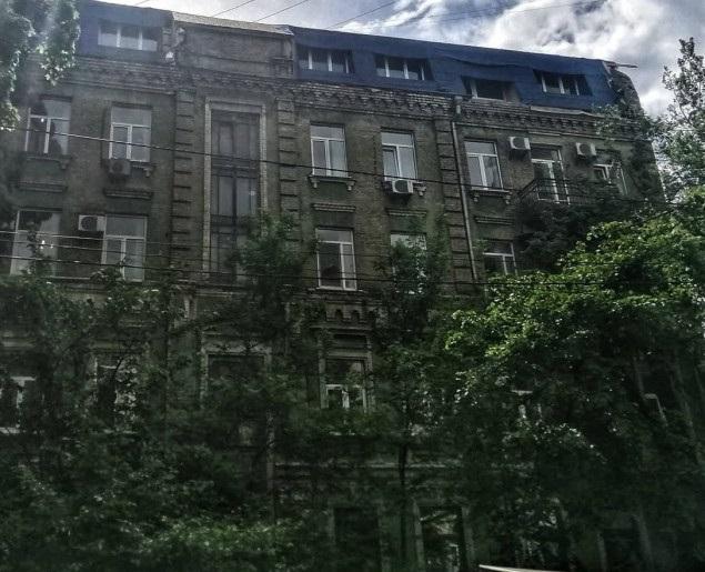 Столичному экс-чиновнику сообщили о подозрении в регистрации на себя 8 несуществующих квартир