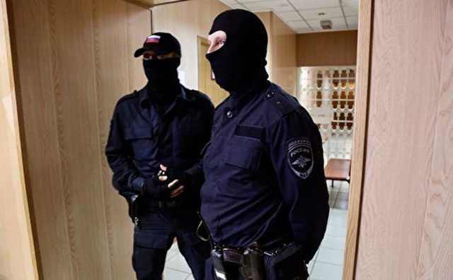 На западе Москвы полицейские ранили подозреваемого в ограблении банка
