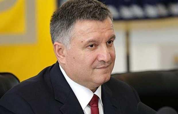 НАБУ расследует коррупцию элитного следователя Авакова