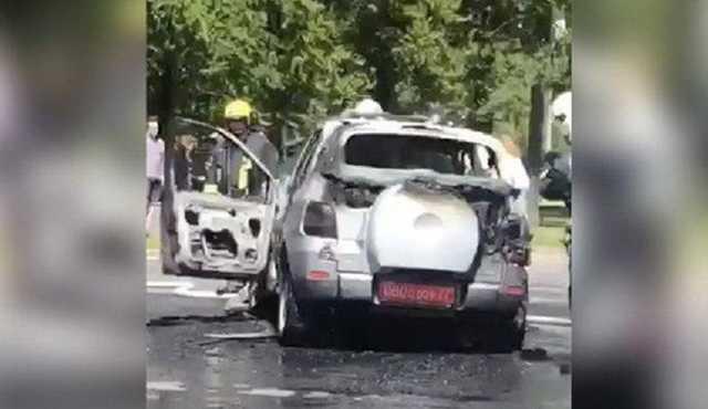 В Москве сгорел автомобиль с дипломатическими номерами