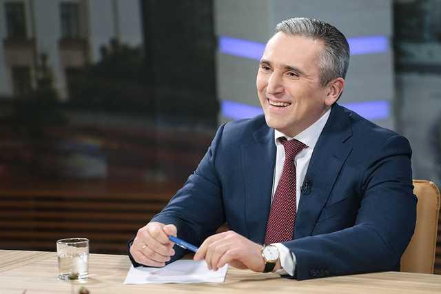 Кому выгодно уничтожить публикации о том, как губернаторы «Комарова и Моор искусственно накручивают федеральные рейтинги»?