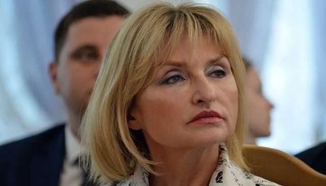 Нардеп Ирина Луценко засветила в Раде кольцо стоимостью несколько тысяч евро