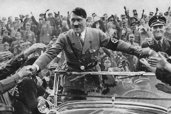 Гитлер бежал в Аргентину: раскрыто детали сенсационный версии ФБР