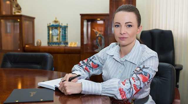 Дочь беглого министра обороны утверждает, что украинские компании купили в России 4 тысячи списанных вагонов