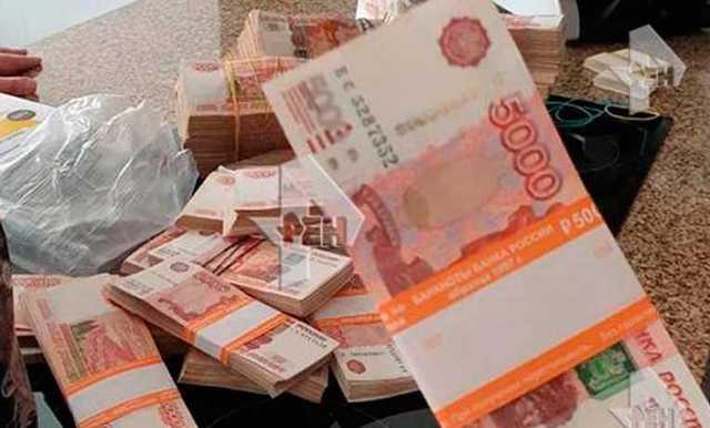 У замгубернатора Ростовской области нашли множество пакетов, набитых деньгами