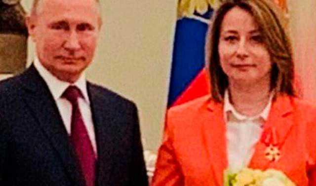«Никто ведь и звать никак». Вручение ордена бывшему пресс-секретарю Медведева вызвало возмущение россиян