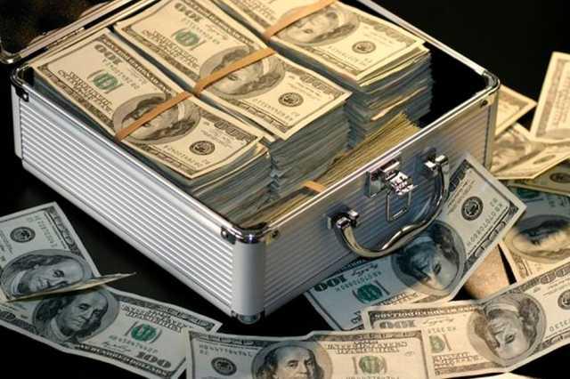 Адвокат сообщил о задержании в аэропорту Афин россиянина с $800 тыс
