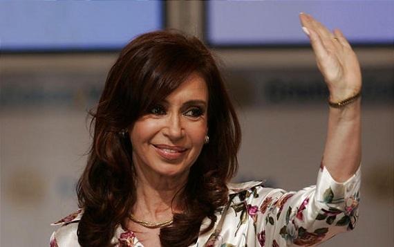 Экс-президент Аргентины, замешанная в коррупционном скандале, заявила о возвращении в политику