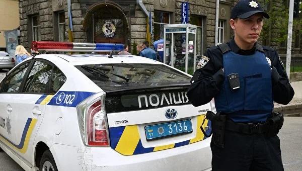 В Киеве в подъезде дома на мужчину напали и отобрали почти миллион гривен