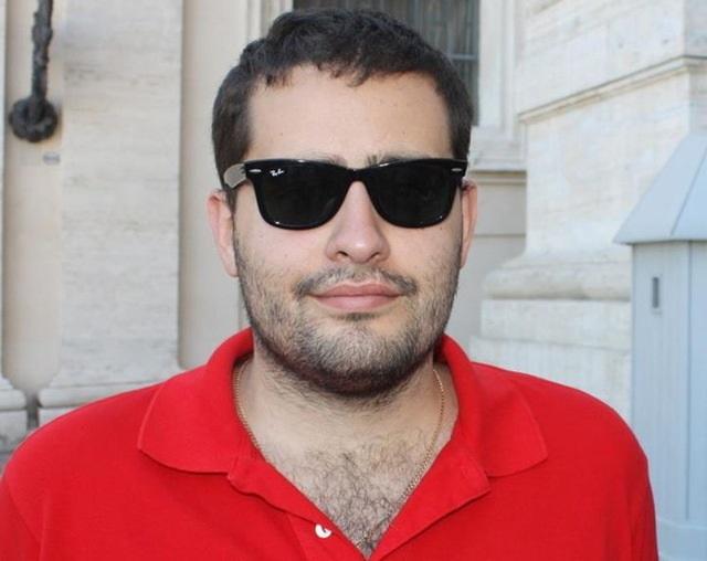 Почему Довбенко Андрей Николаевич не сядет до выборов?