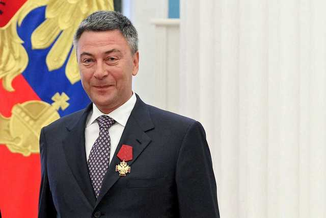 «Регион-ювелирша» Филатова получила 3 года за золоченое серебро