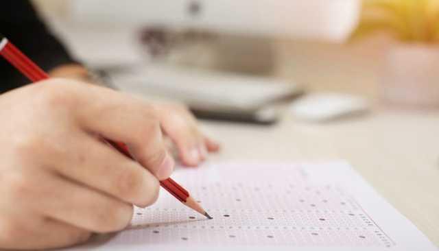 В Чебоксарах школьница скончалась во время ЕГЭ по математике