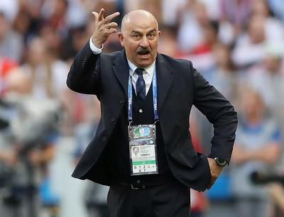 Как главный тренер сборной Станислав Черчесов повышает рыночную стоимость игроков, которых продает подконтрольное агентство Golden Toys Алана Агузарова